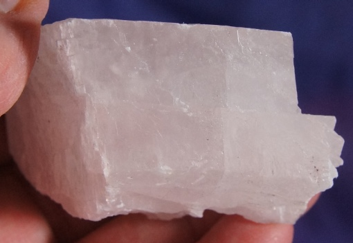 Kosovo Manganocalcite Naturally Formed Rhombohedrum